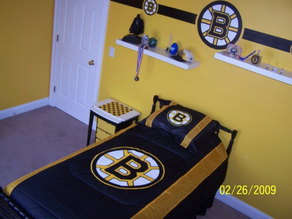 301 moved permanently Bruins room decor
