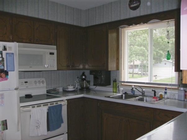 Dark Kitchen from 70's needs to lighten up!, Kitchen and Dinning area