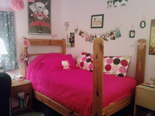 Tags Girly Dorm Room Decorating Ideas Decorating A Girly  ~ 211154_Dorm Room Girly Ideas