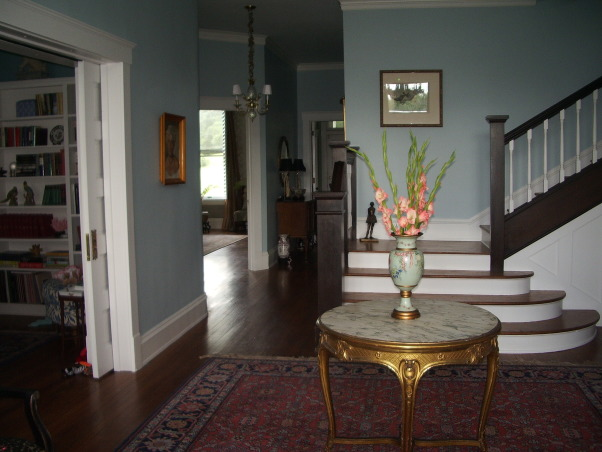 Foyer Sitting Area : Moved permanently