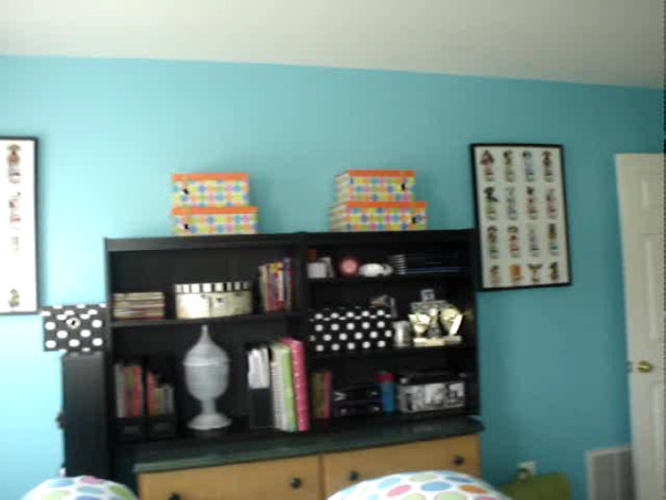 orange and blue paradise, this room is perfect for teen and tween girls, tour of room, Bedrooms Design