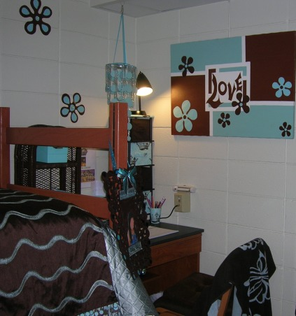 Freshman Dorm Room, Stylish Dorm Room With Special Details, Desk view, Dorm Rooms Design