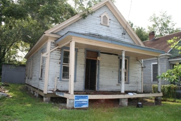 Condemned $20k Historic House Saved!, Located in the nationally recognized neighborhood of Jacksonville-Springfield, Florida, I bought this condemned home after seeing it for sale on the internet.  , The outside, before    , Home Exteriors