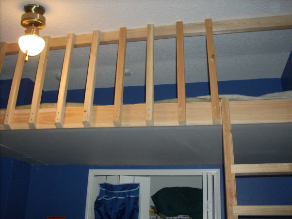 David's hideout, My husband and father in law built a loft for our son.  , Boys' Rooms Design