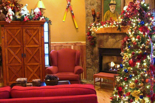 Christmas at Buckhorn Lodge, There's no place like the mountains for a Jolly Holiday Christmas., Discover the beauty of the Appalachia! , Holidays Design
