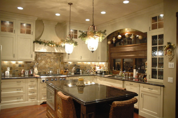Holiday Cheer all around!!!, Here is out home during the holidays. You can see more pics of our home we love in my other galleries. Happy Holidays to all!!!! Come visit my blog @ http://verandainteriors.blogspot.com/, Holiday cheer all over the kitchen!! , Holidays Design