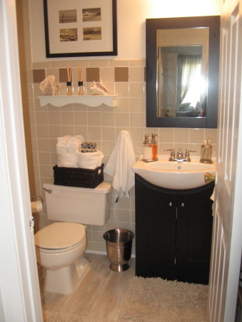 my design on a dime this guest bathroom was redone with very