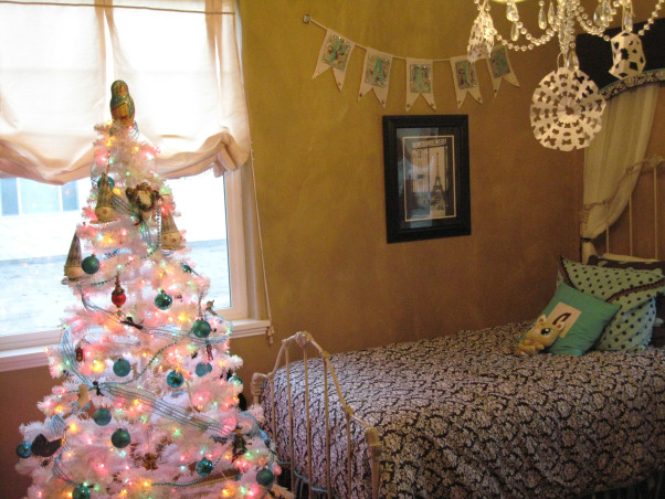NorthWest Home For The Holidays, Welcome to our new home for it's very first Christmas.  Please make yourself at home., My daughter's room and tree.  , Holidays Design