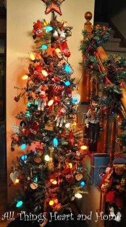Christmas Open House, Just a peek at how this Southern Girl decks the halls~Welcome!, The tree in the foyer has those delicious C 9 lights of my childhood!     , Holidays Design