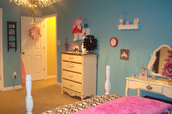 8 year old fun space, My 8 year old daughter wanted a fun bedroom that she felt grown up in.  She is very happy with the way it turned out., Another view of the bedroom., Girls' Rooms Design