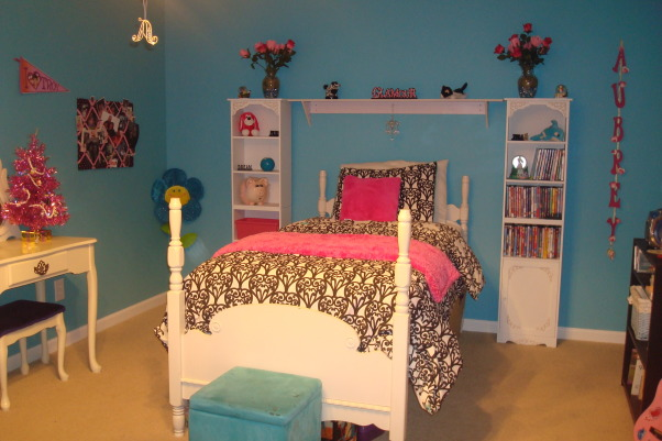 8 year old fun space, My 8 year old daughter wanted a fun bedroom that she felt grown up in.  She is very happy with the way it turned out., My inspiration for this was a Pottery Barn headboard/bed.  I got the duvet from delias.com and the two side pieces from ABCdistributing.com., Girls' Rooms Design
