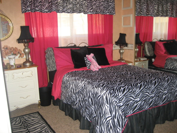 zebra rooms, zebra print rooms, beautiful girls' zebra and hot pink bedroom, Bedrooms Design