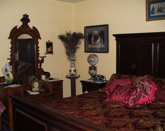 Luxurious Victorian Bedroom Designs Decorating Ideas