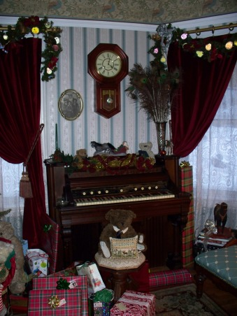 turn of the century christmas, 1890's pump organ, Holidays Design