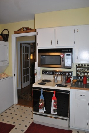 Small 1955 Kitchen, 1955 original cabinets tiny kitchen.  Need help with ideas to better utilize space, 1955 Kitchen View 4 - 2nd door into hallway, Kitchens Design