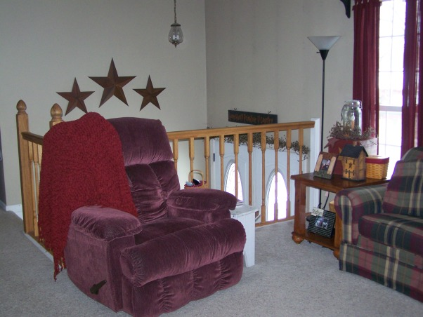 Country bi level, This is our home, we live in a bi level. so it is alittle hard to arrange furniture. I love primitive decorating. Just wanted to share pics and get some advice or ideas?? Thanks all!!!!, Living Rooms Design
