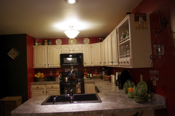 MY MERLOT KITCHEN  , The colors in my kitchen were inspired by my love of fine red wine... I was a little bit nervous about the end result, but took on the challenge anyways, and boy was I happy I did... I absolutely love it!, Plate Decor    , Kitchens Design