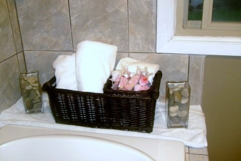 Information about rate my space hgtv for Bathroom ideas spa themed