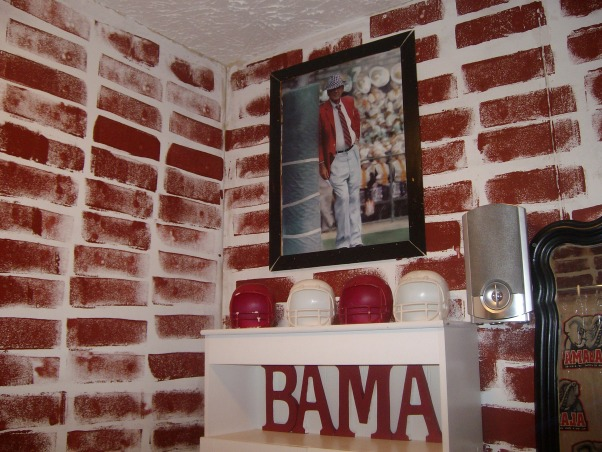 Bama Bathroom, This is my middle childs bathroom.  I will say I am an  LSU Fan.  Please let me know what you think of my creativity., Bathrooms Design