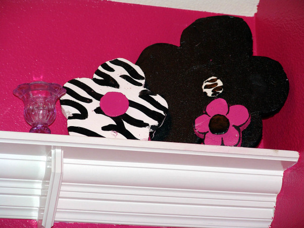 Pink and Black Teen Zebra Girls Bedroom, Pink and Black Girlie Teen Zebra Bedroom, More flowers     , Girls' Rooms Design