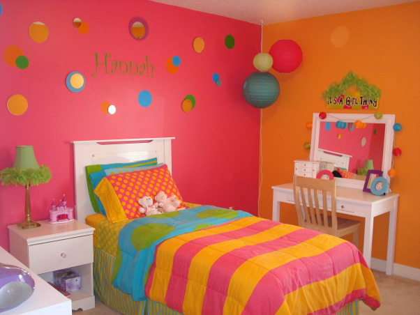 Bright & Colorful 4 year old's room, I wanted my 4 1/2 yr old daughter's room to fit her personality and I believe I accomplished that with this bright, cheery room! :), Bright & Cheerful just like my little girl! , Girls' Rooms Design