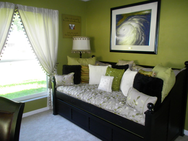 bedroom/office, this is our spare bedroom/office...TOO GREEN????, trudle bed in guest room  , Bedrooms Design