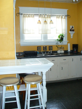 1927 Bungalow Kitchen, I'm getting ready to paint this kitchen. Please help me by suggesting a color. , Any suggestions please on what color to paint my 1927 bungalow kitchen?, Kitchens Design