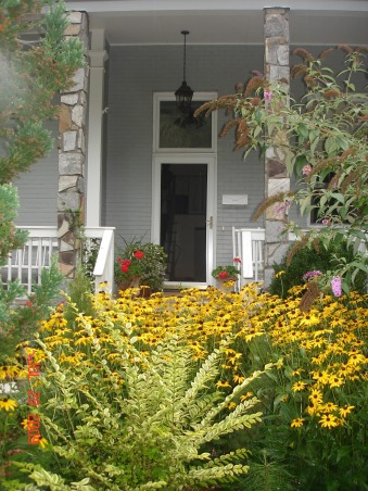 Cottage garden in the heart of North Carolina mountains, Enjoy the variety of dahlias, zinnias, susans, verbena, coneflower, cardinal flower, butterfly bush...to name a few. The butterflies are amazing here!, Yards Design