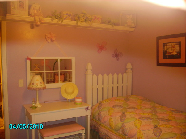 Butterflies, Flowers and Fences, White Picket Fence, Flowers, and Butterflies. , Girls' Rooms Design