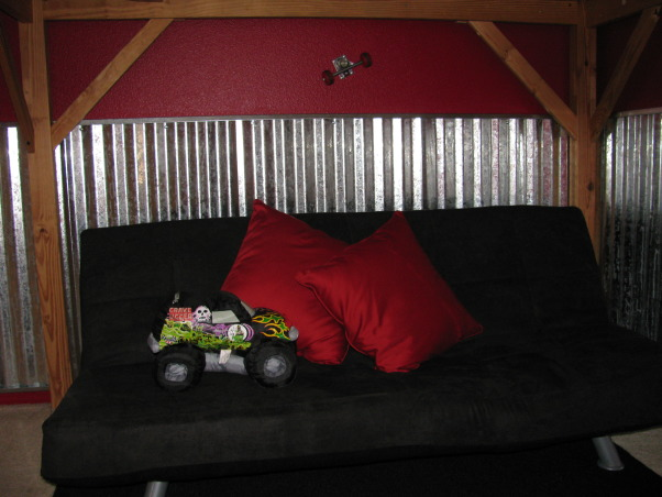 Skateboard / BMX Bedroom, This room was a birthday gift for my 9 year old son.  He loves skatebords & BMX so I gave him a little bit of both.  , Boys' Rooms Design