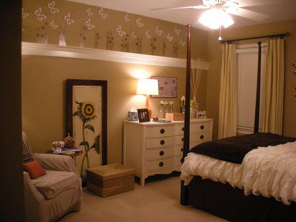 18 Year Old's Room, I redid my room this year when I turned 18. I wanted something that was simpler and more mature- hopefully I achieve that look!, First look when you walk in               , Girls' Rooms Design