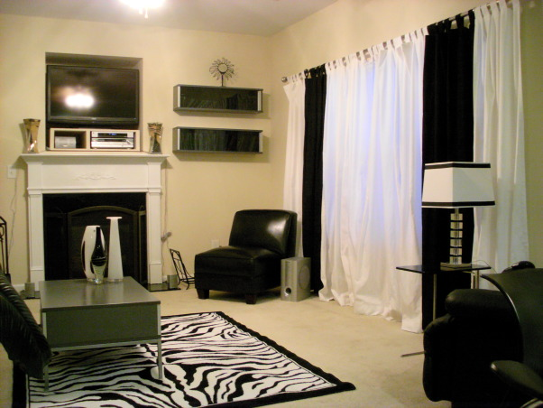 Black and White w/ Tan accents, Living Rooms Design