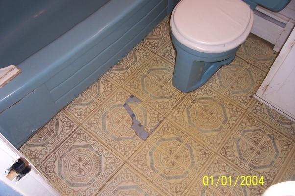 5 x 7 bathroom, before, should have been condemned  lol , Bathrooms Design