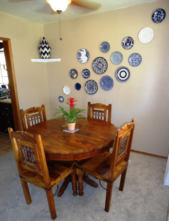Little rustic dining space, The space is very small, but please feel free to give suggestions!, Dining Rooms Design