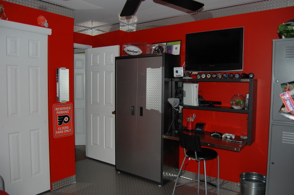 Little man cave, Sports theme with garage accents, tv, desk, gaming area, Boys' Rooms Design