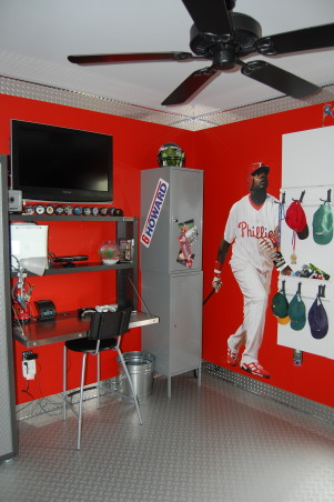 Little man cave, Sports theme with garage accents, Desk area and storage , Boys' Rooms Design