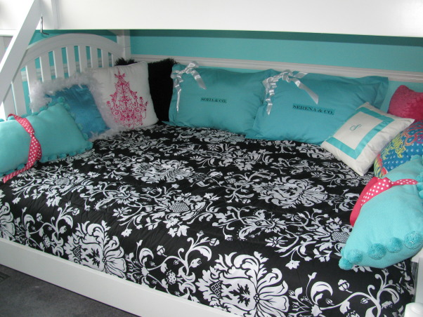 Girls Room - Tiffany Inspired, Tiffany Inspired Girl's Room; Black & White and Teal Very girly!, The bedding is from Target..it's just one of the bed/bag sets.  The pillows are primary from PBTeen.com and JcPenny.com.   , Girls' Rooms Design