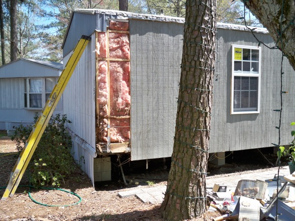 Mobile home exterior remodel, Install  siding and underpinning, repair damage in corner , Home Exterior Design