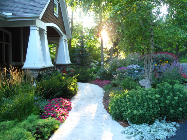 Pleasant view gardens, Waterfalls and ponds amongst the perennial gardens, Gardens Design