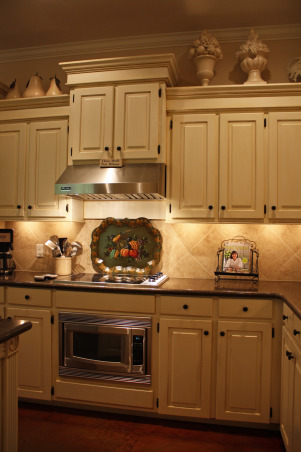 Classic Kitchen, Classic Traditional Kitchen and Breakfast Area, Cooktop Wall, Kitchens Design