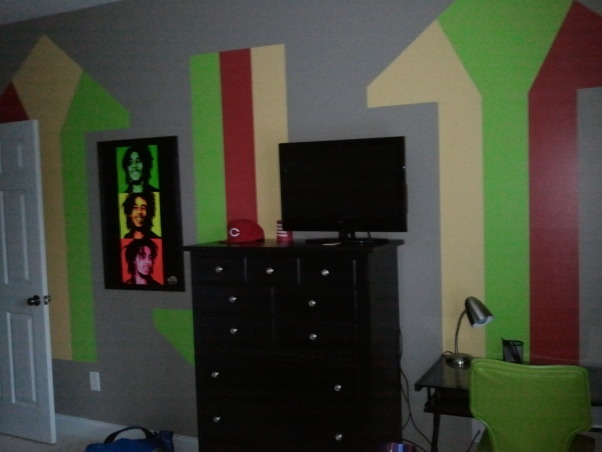Teen Bedroom, Rasta Room, dresser and tv, Boys' Rooms Design
