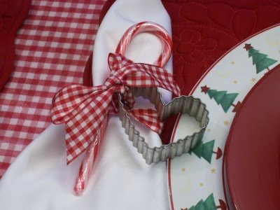 Holiday Tablescapes, Dining room in our farmhouse, Red and white checked tablescape, cookie cutter used as a napkin ring, Holidays Design
