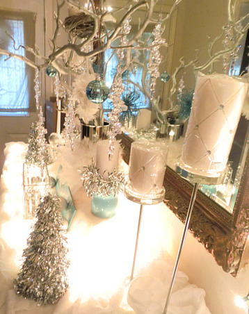 Holiday Glam, What a fabulous way to greet guests for the holidays! Transform your entryway into a winter wonderland., Holidays Design