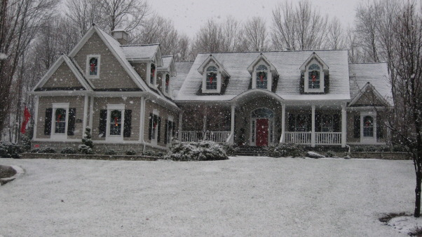 Winter/Holiday , Home Exterior Design