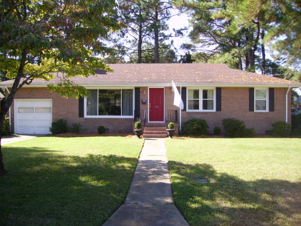 Boring Brick Ranch Plain 1950 39 S Brick Ranch W White Trim Needs Ideas