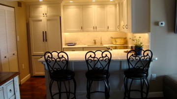 CONDOMINIUM KITCHEN, TRADITIONAL KITCHEN IN A CONDOMINIUM, Kitchens Design