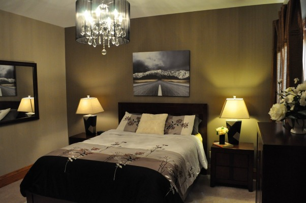 First time trying to decorate my bed room, I attempt to decorate the bed room.... well ...kind of :) , Bedrooms Design