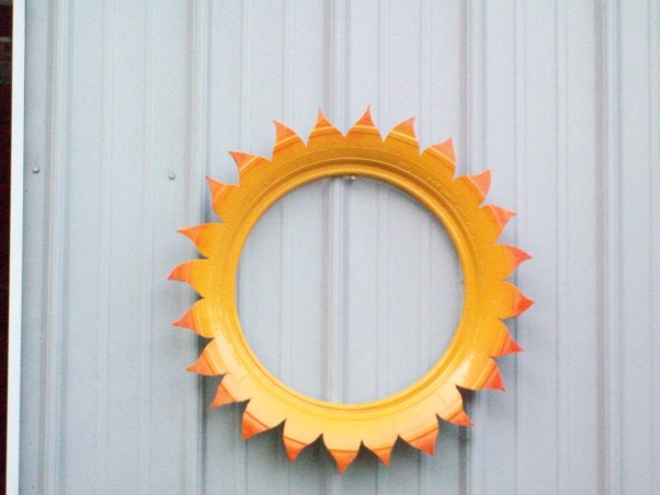 Yard projects with Old Tires, old tire projects, cut off from tire, made a sunflower, Yards Design