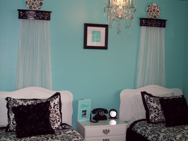 Information about rate my space questions for hgtv for Tiffany blue and white bedroom