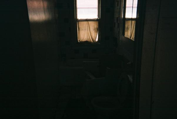 I hate my bathroom, The bathroom needs an up lift the tub , shower , sink floors, fix me, Bathrooms Design